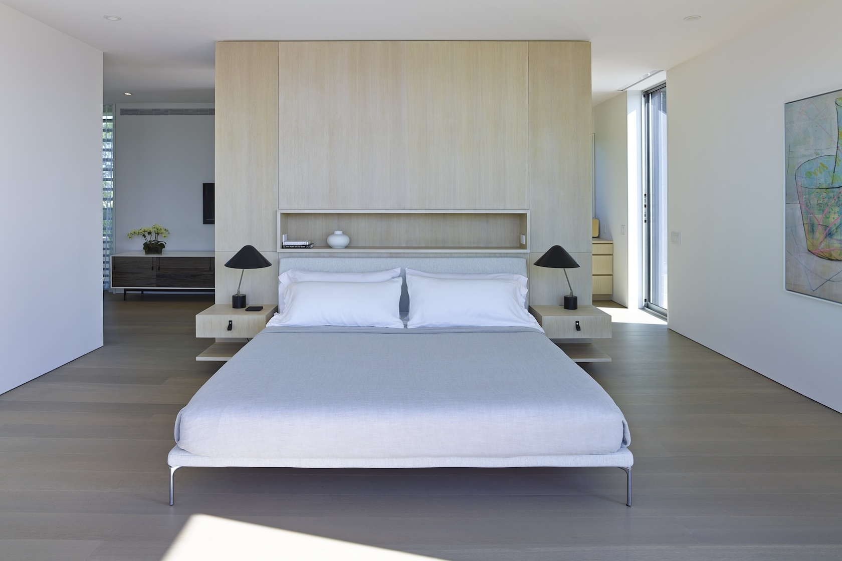 Sagaponack Modern House Interior Design Master Bedroom