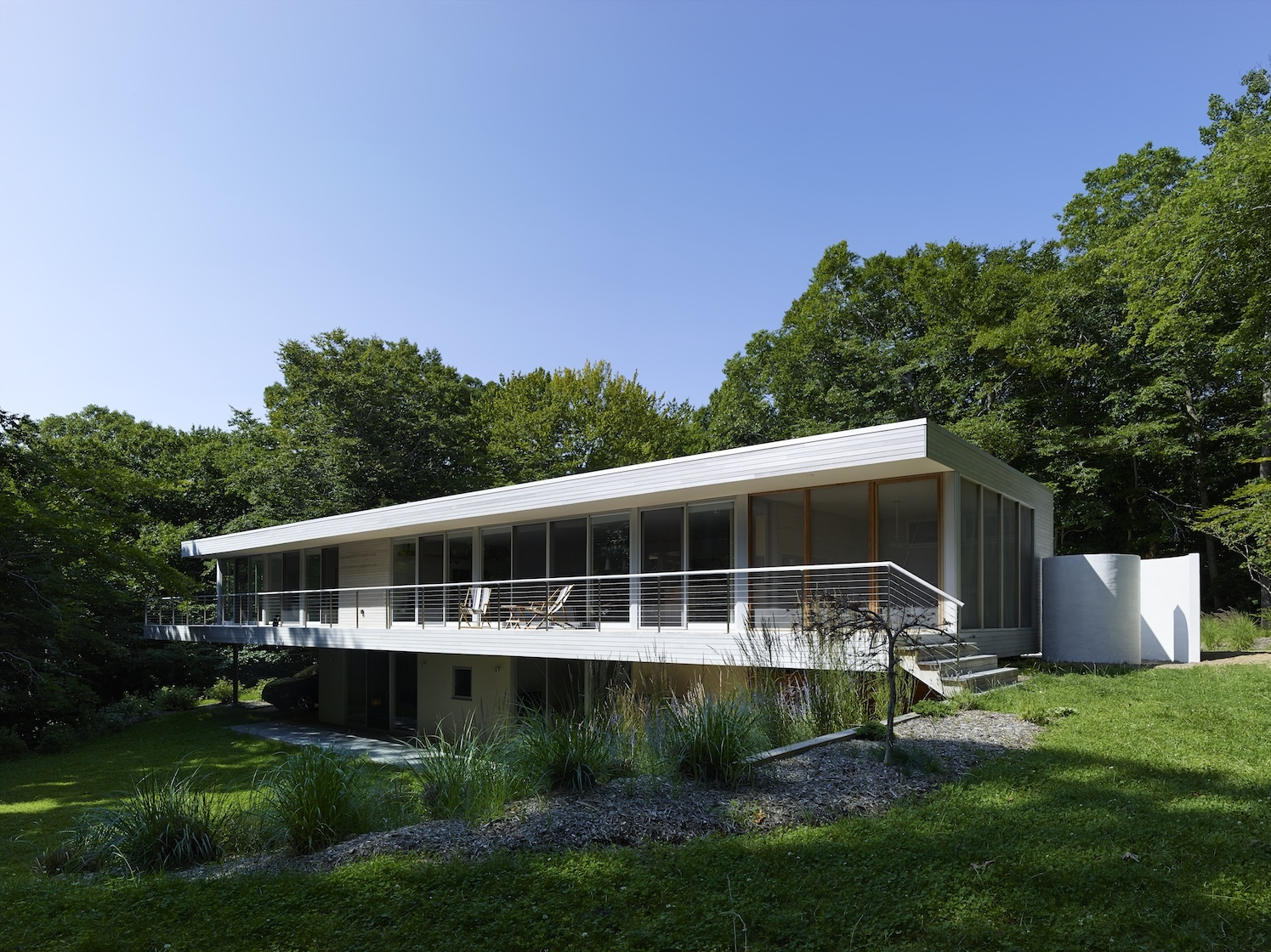 Amagansett, NY Modern Green Sustainable House Deck