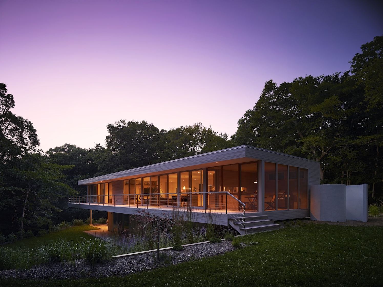 Amagansett, NY Modern Green Sustainable House at dusk