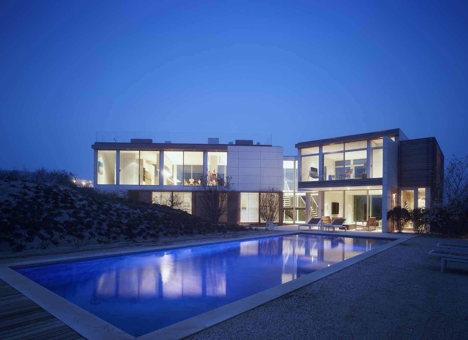Amagansett, NY modern house and pool