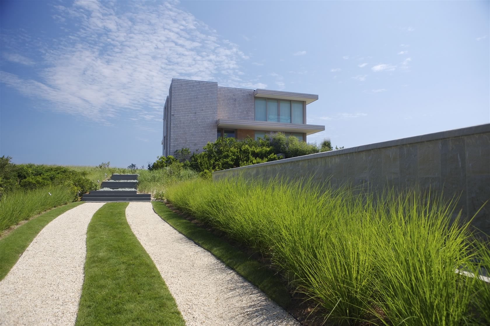 Bridgehampton, NY Modern Oceanfront House