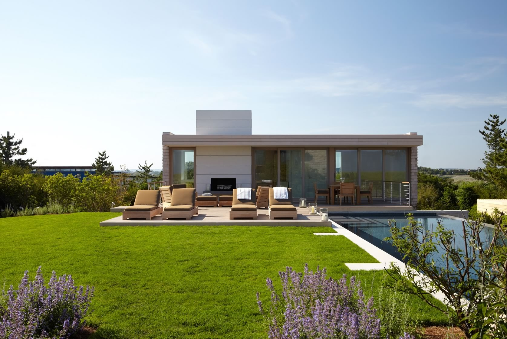 Bridgehampton, NY Modern Oceanfront Pool House