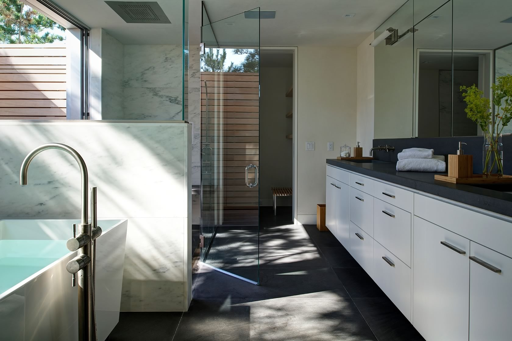 Water Mill, NY Seaside modern master bath